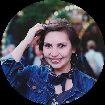 Carolina Cepeda, Marketing Manager Perfil-1